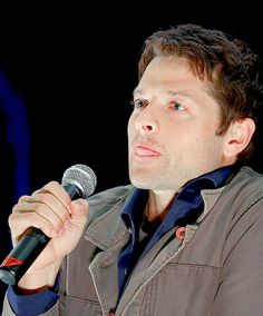 Doing the Jensen tongue thing ❤