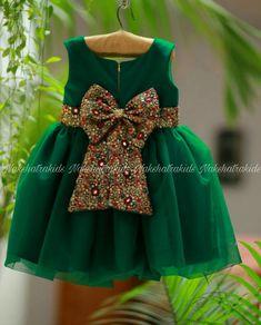 Baby Girl Frocks, Baby Girl Party Dresses, Frocks For Girls, Little Girl Dresses, Girls Frock Design, Baby Dress Design, Kids Dress Wear, Kids Gown, Baby Frocks Designs