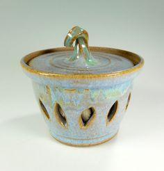 Ceramic garlic keeper jar pottery garlic by WillowTreePottery