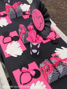 I can't help it, though.the original Minnie Mouse is RED, not pink.A Minnie Mouse Birthday Party { An Uncommon Event } Theme Mickey, Minnie Mouse Theme, Mickey Party, Mickey Minnie Mouse, Oh My Fiesta, Festa Party, Mickey Mouse Birthday, First Birthday Parties, Birthday Ideas