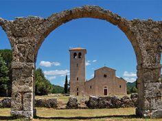 Abbazia di San Vincenzo al Volturno, Rocchetta a Volturno, Isernia, Italia - abbey italy