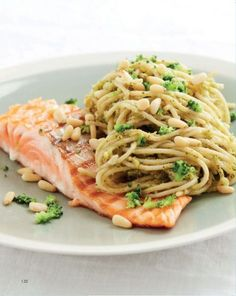 New pasta pesto gezond ideas I Love Food, Good Food, Yummy Food, Easy Pasta Recipes, Easy Meals, Healthy Diners, Healthy Cooking, Healthy Recipes, Food Porn