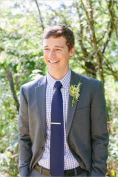 adorable groom style with plaid #groom #groomlook #weddingchicks http://www.weddingchicks.com/2014/02/20/outdoor-romance-wedding/