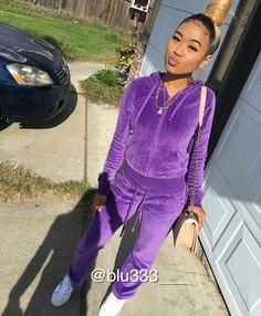 Her sweatsuit 😍😍 pin: 💜 Chill Outfits, Dope Outfits, Casual Outfits, Fashion Outfits, Lit Outfits, Jordan Outfits, Teen Fashion, Fashion Women, Fashion Ideas