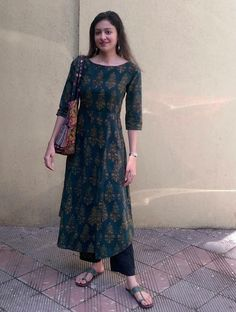 Designer Dresses in all sizes Kurta Designs Women, Kurti Neck Designs, Salwar Designs, Blouse Designs, Indian Kurtis Designs, Pakistani Dresses, Indian Dresses, Indian Outfits, Indian Designer Outfits