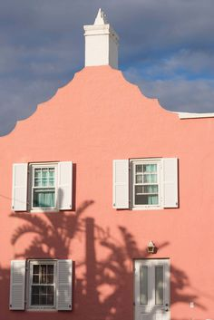 There are only a few places left in this world that you can return to, again and again, and still find unchanged—Bermuda has long been one of them. Here is a sorbet pink cottage in St. George's—the harbor town is a UNESCO World Heritage Site that dates back to 1612.
