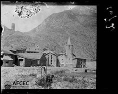 El poble d'Escaló amb la torre al fons Autor Estasen i Pla, Lluís, 1890-1947 Data document original [Entre 1915 i 1935]