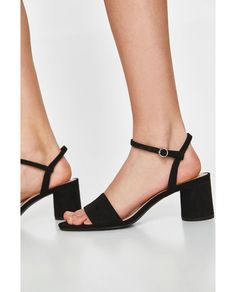 Image 4 of FAUX PATENT LEATHER BLOCK-HEEL SANDALS from Zara