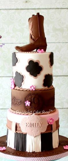 Girls Western Themed Cake, looks pretty easy but super cute. Cowgirl Cakes, Western Cakes, Cowgirl Party, Gorgeous Cakes, Pretty Cakes, Amazing Cakes, Cupcakes, Cupcake Cakes, 19th Birthday Cakes
