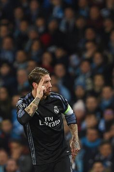 Ramos Real Madrid, Real Madrid Team, Real Madrid Players, Best Football Players, Sport Football, Soccer Players, Ramos Haircut, Fifa, Toni Kroos