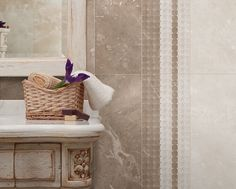 A glazed porcelain tile from our Champions series, inspired by marble replica.