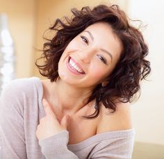 We have the tips for women's health to help make your life easier. Face Care Tips, Female Hormones, Workout Bauch, Skinny Mom, Beauty Magazine, Anti Aging Tips, Loving Your Body, Wellness Tips, Bun Hairstyles