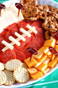Football Charcuterie Platter: A Simple Tailgating Appetizer Football season affordable entertaining is easy with this Cheese + Cracker Football Party Platter! A tailgating appetizer sure to score with party guests. Tailgate Appetizers, Tailgate Food, Healthy Appetizers, Appetizers For Party, Appetizer Recipes, Tailgating Recipes, Barbecue Recipes, Barbecue Sauce, Party Snacks