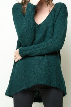 Oversized green sweater from Brandy Melville #sweaterweather