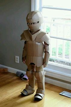 cardboard crafts kids boys DIY Shows How to Make Your Kid a Cardboard Knight in Armor Cardboard Costume, Cardboard Toys, Cardboard Crafts Kids, Cardboard Furniture, Diy For Kids, Crafts For Kids, Diy Shows, Knight Armor, Diy Costumes