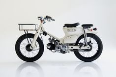The Deus Sea Sider is a surf-ready commuter for Balinese adventures - Acquire Honda Motorcycles, Vintage Motorcycles, Honda Cb750, Honda S2000, Honda Scooters, Honda Cub, Motorcycle Camping, Moto Bike, Motorcycle Design