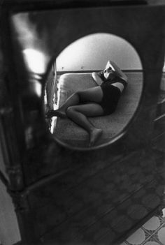 Ferdinando Scianna, Sicily, Carmen Sammartin - Magnum Photos | mirror | reflection | sleeping |