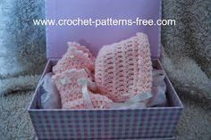 Crochet Baby Booties free baby bonnet crochet pattern free baby booties crochet patterns - FREE crochet Pattern for Baby Bonnet and Booties. Vintage baby bonnet and baby booties crochet free pattern. Baby Bonnet Pattern, Crochet Baby Bonnet, Crochet Baby Hat Patterns, Crochet Bebe, Crochet Baby Clothes, Baby Patterns, Free Crochet, Free Knitting, Simple Crochet