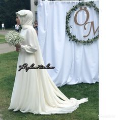 beautiful muslim wedding dresses with sleeves Hijabi Wedding, Muslimah Wedding Dress, Muslim Wedding Dresses, Bride Dresses, Gothic Wedding, Dream Wedding, Wedding Ring, Marriage Day, Hijab Dress