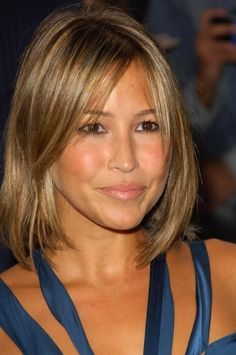 not sure i can pull off this color but I'm tempted to try. i'll probably aim for this length & cut.