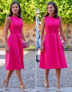 Königin Letizia ganz in rot - Spanisches Königspaar bringt ...