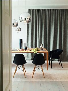 Styling Helene Deisenhammer for Leitner Leinen Austria Conference Room, Dining Chairs, Austria, Apartments, Table, Flat, Furniture, Home Decor, Homes