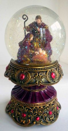 Holy Family Snow Globe  Glitter Globe Gold and by oldandnew8, $24.00