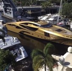 Luxury Yacht Interior, Luxury Yachts, Luxury Homes, Yacht Design, Most Expensive Yacht, Yatch Boat, Living On A Boat, Yacht Cruises, Yacht For Sale