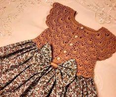Crochet Girls Crochet Bebe Crochet For Kids Sewing For Kids Baby Gown Crochet Baby Booties Baby Girl Dresses Baby Crafts Crochet Designs Crochet Dress Girl, Crochet Girls, Crochet Baby Clothes, Patterns For Baby Clothes, Little Dresses, Little Girl Dresses, Girls Dresses, Crochet Yoke, Crochet Fabric