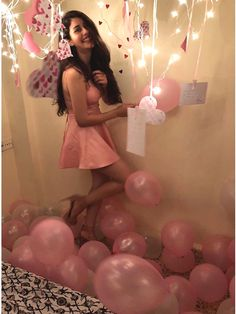 My first and last Bday in pink 😄💗🎀🎈💕 Ps chocheee ! only you can make me wear pink Bollywood Girls, Bollywood Actress Hot, Beautiful Bollywood Actress, Bollywood Stars, Bollywood Fashion, Bollywood Celebrities, Cute Girl Poses, Beauty Full Girl, Western Dresses