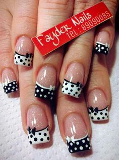 If you are a big fan of manicure, you can not miss the Essie brand. New Nail Designs, French Nail Designs, Black Nail Designs, Nail Designs Spring, Spring Design, Fancy Nails, Pretty Nails, Polka Dot Nails, Polka Dots