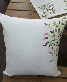 천아트-여뀌 (사각쿠션) : 네이버 블로그 Cushion Embroidery, Hand Embroidery Flowers, Hand Embroidery Designs, Ribbon Embroidery, Embroidery Patterns, Hand Painted Fabric, Painted Paper, Modern Bed Pillows, Traditional Cushions