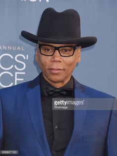 SANTA MONICA, CA - DECEMBER 11: Actor RuPaul arrives at The 22nd... #khuzhirru: SANTA MONICA, CA - DECEMBER 11: Actor RuPaul… #khuzhirru