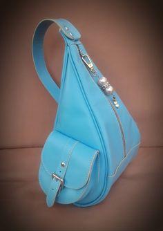 Новости Leather Handbags, Leather Bag, Handbag Tutorial, Back Bag, Fashion Sketches, Briefcase, Leather Craft, Sling Backpack, Designer Handbags