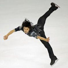 宇野昌磨が自己ベストでSP首位 村上大介は3位 - フィギュア : 日刊スポーツ