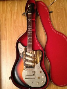 1970's Vintage Framus electric guitar and case BEAUTIFUL