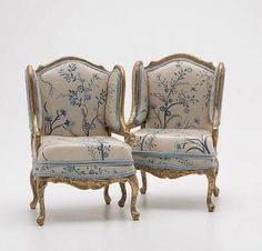 Collection of French Style Doll House Furniture: : Lot 848 Miniature Furniture, Doll Furniture, Dollhouse Furniture, Vintage Furniture, Iron Console Table, Round Wood Coffee Table, Sofas, Armchairs, Mini Doll House