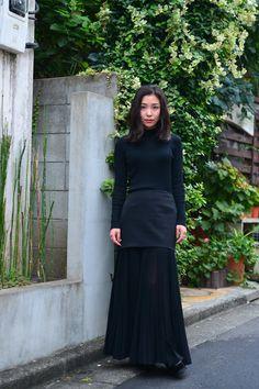 Street Style of Tokyo: LE CIEL BLEU Top & Skirt, JOSEPH Shoes | Fashionsnap.com