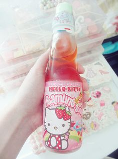 strawberry flavored hello kitty ramune ♥ I LOVE Japanese soda! Japanese Drinks, Japanese Candy, Japanese Food, Cute Snacks, Cute Desserts, Cute Food, Aesthetic Food, Pink Aesthetic, Box Kawaii