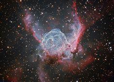 """Nebulosa O Capacete de Thor. NGC 2359. """"Constelação de Canis Major""""."""