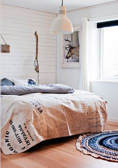 Simply White - lookslikewhite Blog - lookslikewhite I LOVE the bedspread!