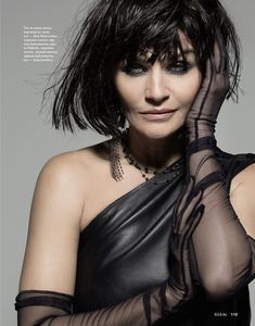 Lotus Image, Foto Fashion, The Brunette, Helena Christensen, Vogue Spain, Sleek Look, Editorial Fashion, Supermodels, Blond