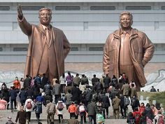 Giant statues of Kim Il-sung @ Mansudae Hill, North Korea