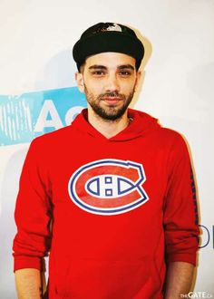 Jay Baruchel  with the habs and all, aahhhhh