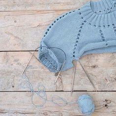 Ну, и чтобы вы не скучали, показываю, как продвигается мой дырявый проект из #BonnCotton . #knitting #i_loveknitting #knitting_inspiration #woki1 #knit #knittedtop #вязание #вязаныйтоп #вязаниеспицами #вяжутнетолькобабушки #вяжу