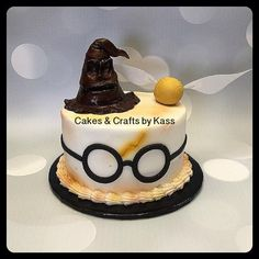 buttercream cake with Harry Potter glasses and other fondant accents Harry Potter Torte, Harry Potter Bday, Harry Potter Birthday Cake, Harry Potter Baby Shower, Harry Potter Food, Cake Craft, Novelty Cakes, Buttercream Cake, Cake Creations