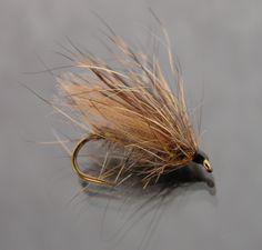 Le Sedge 3 poils clairs et le Sedge 3 poils foncés sont réalisés sur un hameçon N°14. Comme son nom l'indique ce Sedge est composé de trois ...