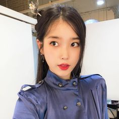Image may contain: one or more people and closeup Iu Fashion, Korean Fashion, Iu Twitter, Gifts For Photographers, Korean Artist, K Idols, Korean Singer, Kpop Girls, Hair Pins