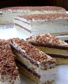 """Recept za ovaj jeftin i izdašan kolač je iz knjige """"Jugoslavenski kolači"""" iz… Czech Desserts, Sweet Desserts, Just Desserts, Sweet Recipes, Slovak Recipes, Czech Recipes, How To Make Cake, Food To Make, Desserts"""
