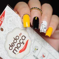 """""""Boa tarde amores! A esmaltação de hoje é para lembrar que dia 14/01 estréia o filme do Snoopy  ➡Película @lojasdedodemoca . www.lojasdedodemoca.com.br…"""""""